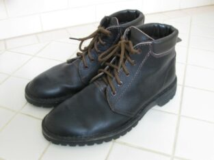 WANTED: Rossi Mulga Boots size 8.5